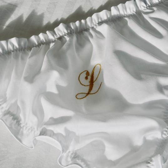 Ton initiale, son initiale, vos initiales...