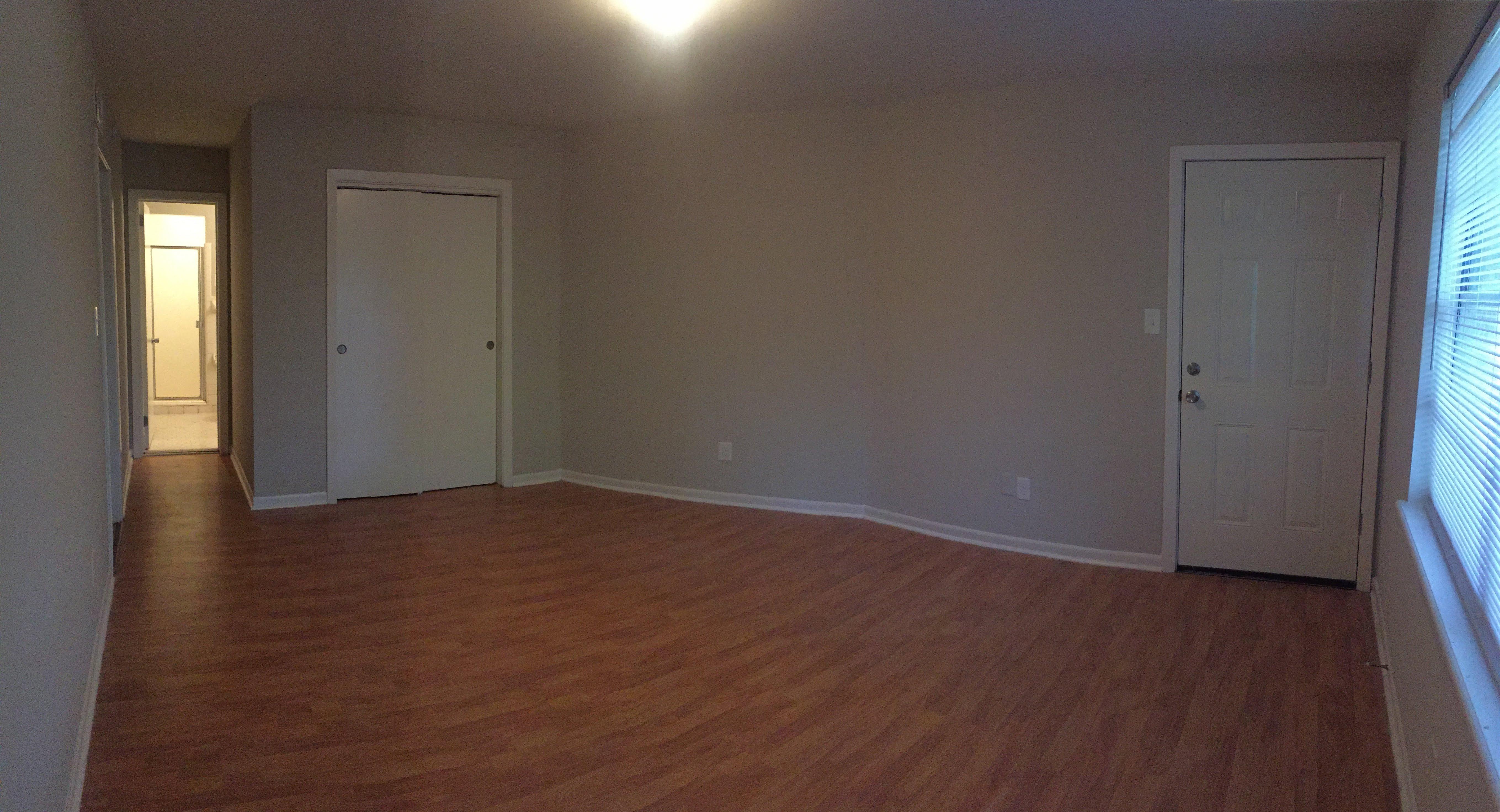 Master Bedroom-004