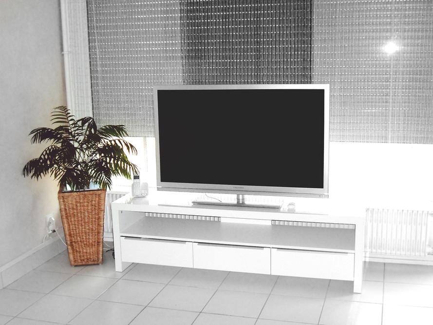 テレビリビングルーム