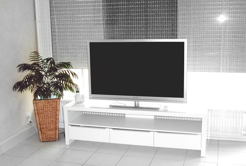 Bianco Glass TV Cabinet