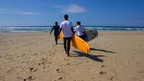 ¿Es bueno apuntarse a clases de surf?.