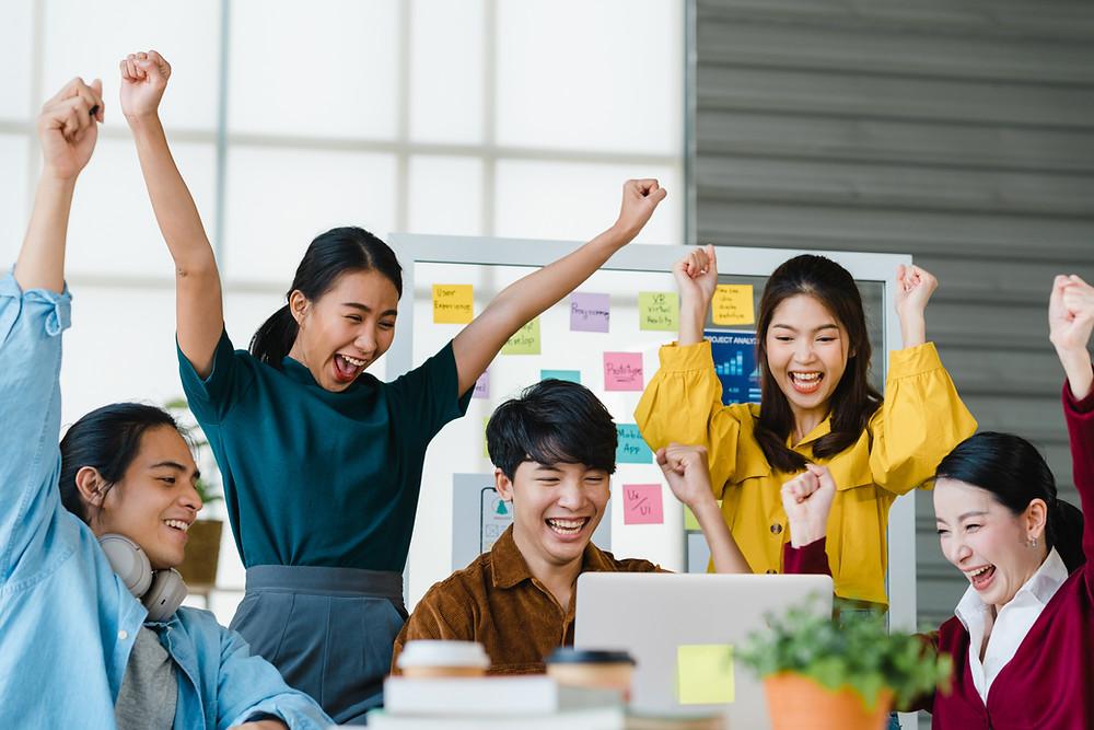 Các yếu tố ảnh hưởng động lực làm việc của nhân viên EveHR.vn