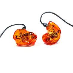 Корпуса - оранжевые прозрачные Крышки - оранжевые прозрачные с логотипом владельца