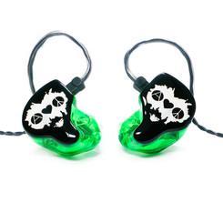 Корпуса - зеленые прозрачные Крышки - черные непрозрачные с логотипом группы Носики - прозрачные