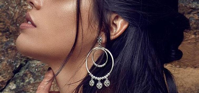 ChloBo-Earrings-Mobiled3-optimised.jpg
