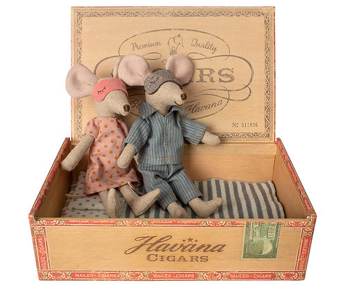 Mum & Dad in Cigarbox, Mouse - Maileg