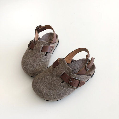 Felt Bio Clogs With Strap, Brown - Tocoto Vintage