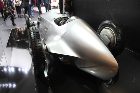 INFINITI CONCEPT CAR TURNING HEADS  AT NORTH AMERICAN INTERNATIONAL AUTO SHOW