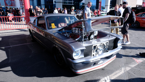 Crowd Tops 150-Thousand At SEMA Auto Show