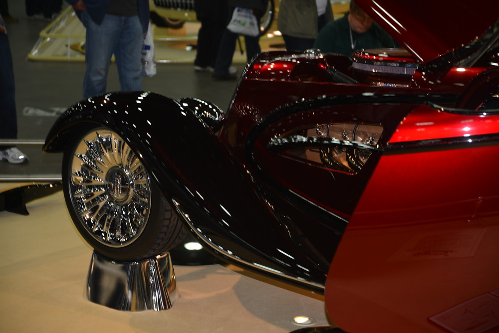 RENAISSANCE ROADSTER FEATURES HAND CRAFTED BODY PANELS