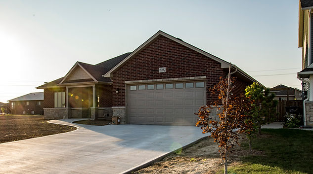 Owen Flooring - Ewald Homes Braemar Boulevard Chatham-Kent Ontario