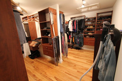 NEW HOME WALK IN CLOSETS