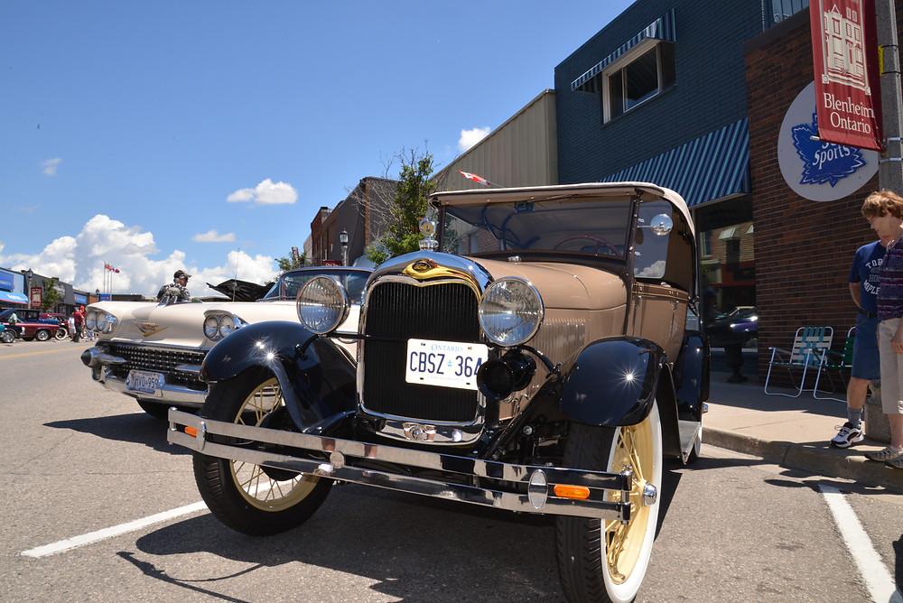 Blenheim Classics on the Main Drive in Blenheim Ontario