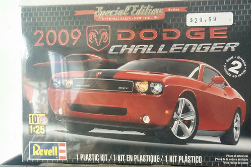 2009 Dodge Challenger 1/25th Scale