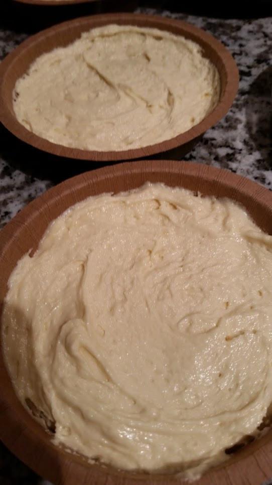 Streusel batter in baking cups
