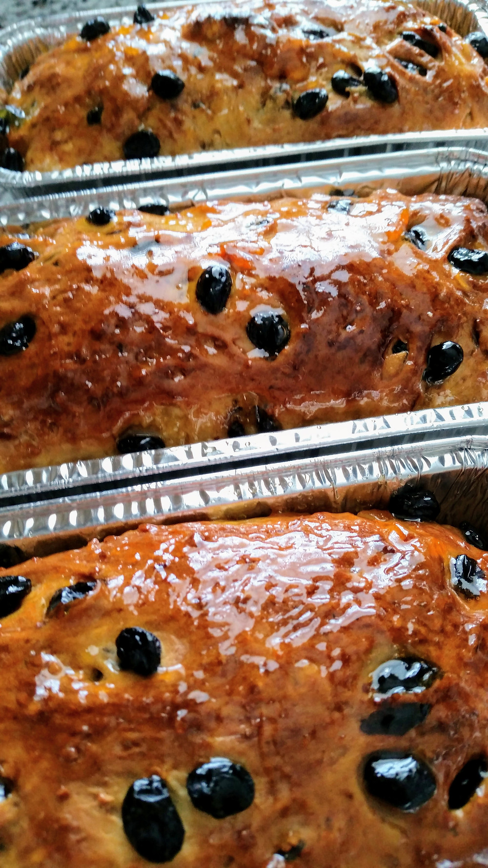 Easter bread with apricot glaze
