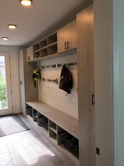 QUALITY CUSTOM CLOSETS