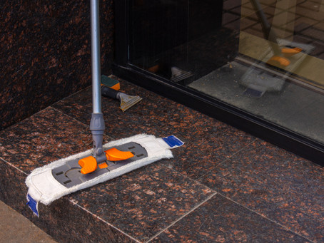 Why Toronto Storefronts Hire Cleaning Services
