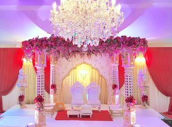 Chandeliers to die for Mandap
