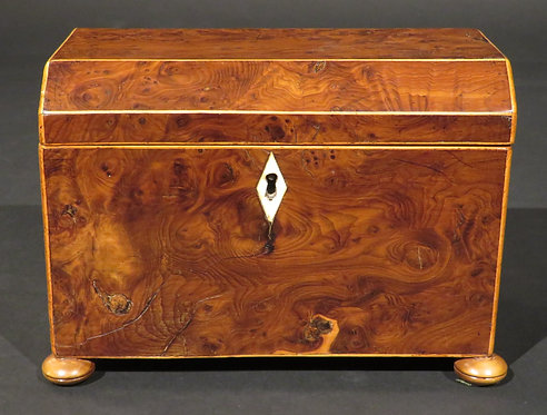 A Fine and Early 19th Century Burr Yew Wood Tea Caddy. English, Circa 1800