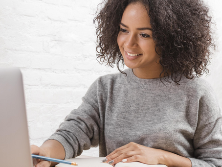 Working Remotely Full-Time Versus Online Freelancing: Which Is Right For You?
