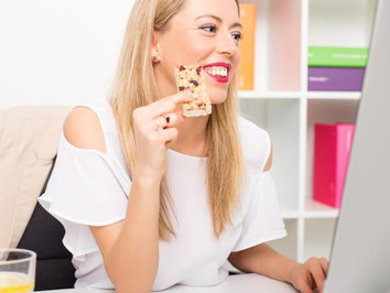 Idei de gustări sănătoase pentru birou sau călătorii!