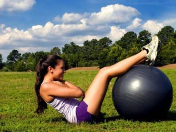 Fitball- soluția perfectă pentru o siluetă frumoasă și tonifiată!
