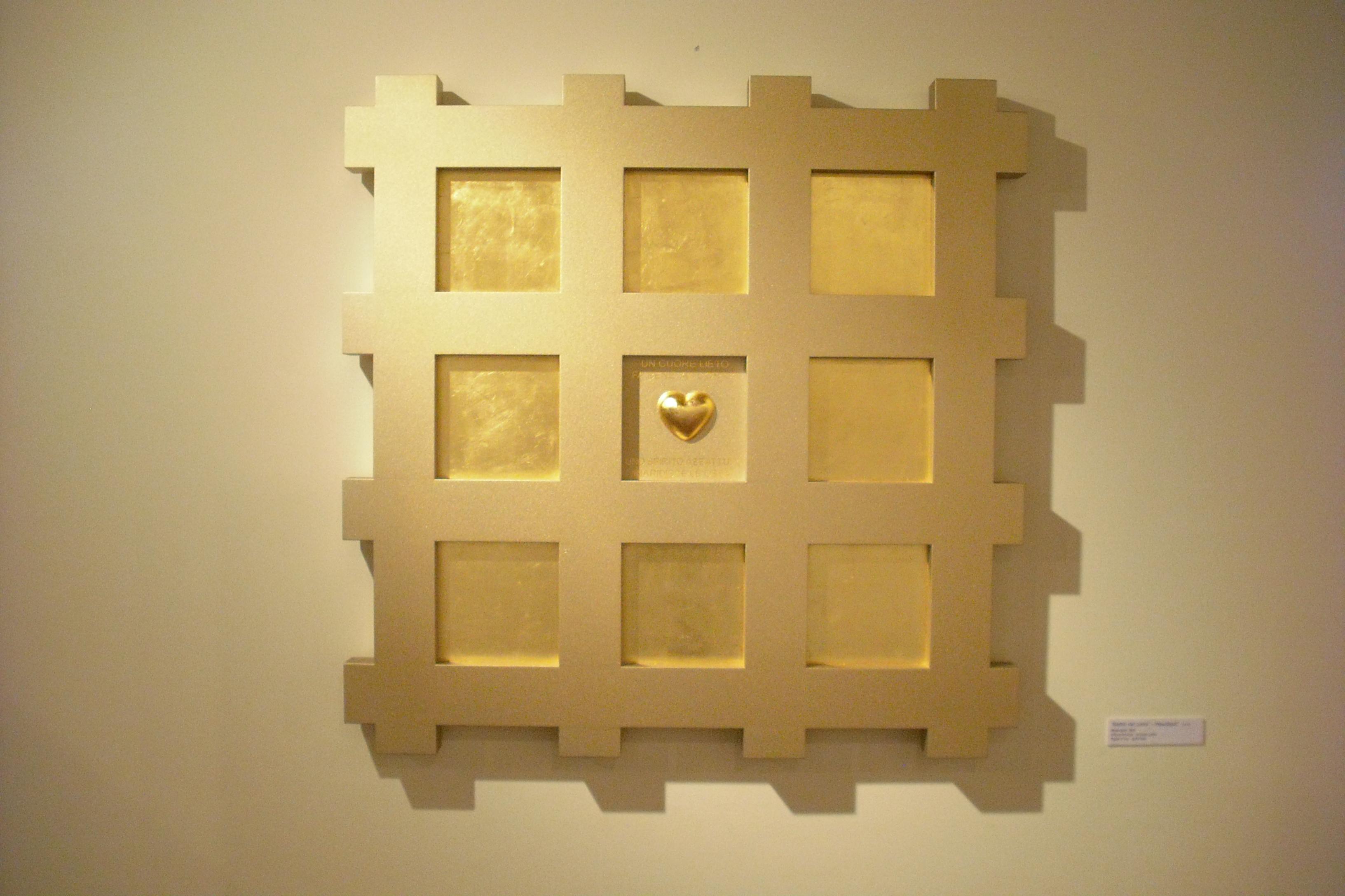 a9 Titel - Herzklopfen - MDF, Bronzefarbe, Blattgold