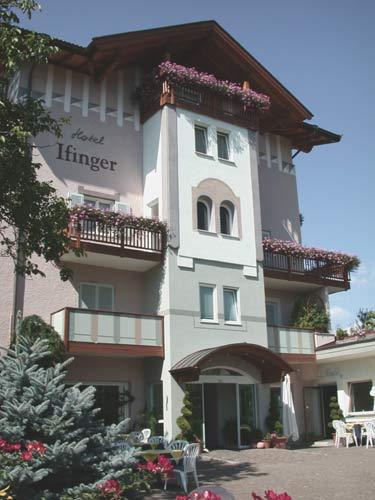 Hotelfassade | facciata albergo