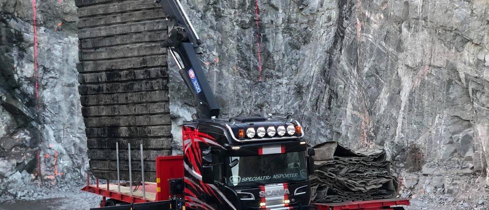 Transport av Sprängmattor åt Skanska