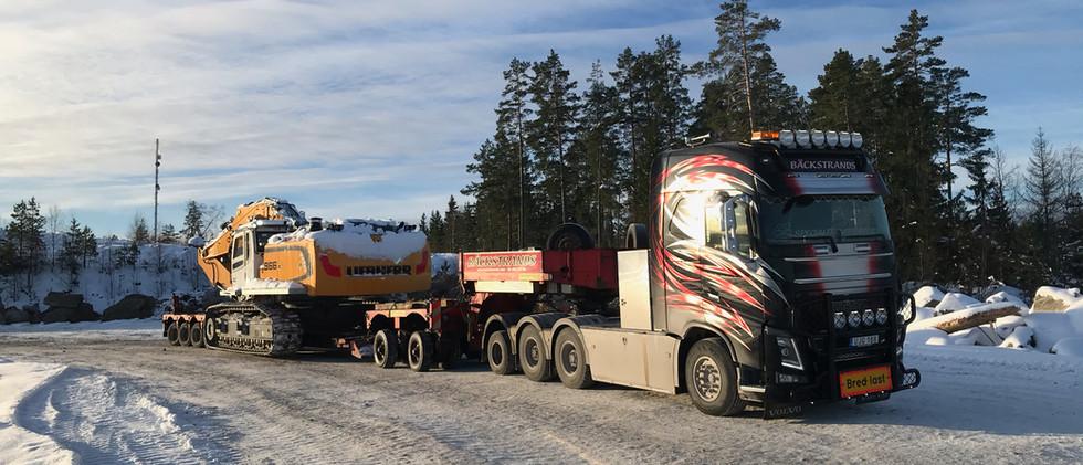 Transport av Liebherr R966