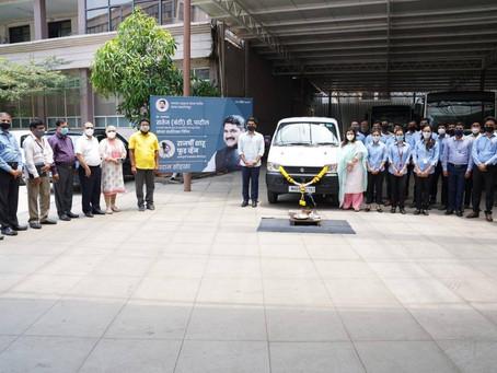 'राजर्षी शाहू फूड व्हॅन' साठी डी. वाय. पाटील ग्रुपकडून गाडी भेट