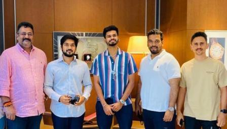 आज मुंबई येथे कामानिमित्त गेलो असताना युवा क्रिकेटर श्रेयश अय्यर, सिद्धेश लाड, मुंबई क्रिकेट ....