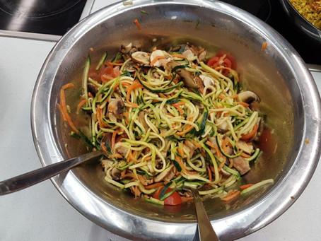 Zucchini-Möhren-Spaghetti-Salat