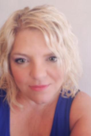 Kari Profile Pic.jpg