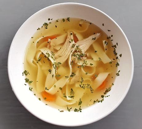Supă de pui cu tăieței