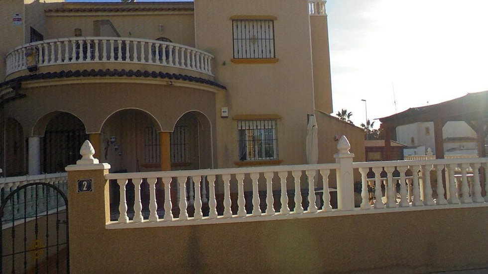 3 Bed Quad Villa for Long Term Rental in El Raso, Guardamar - 310LT