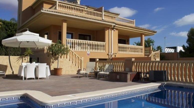 5 Bed Villa for Holiday Rental in Los Balcones, Torrevieja - 977ST