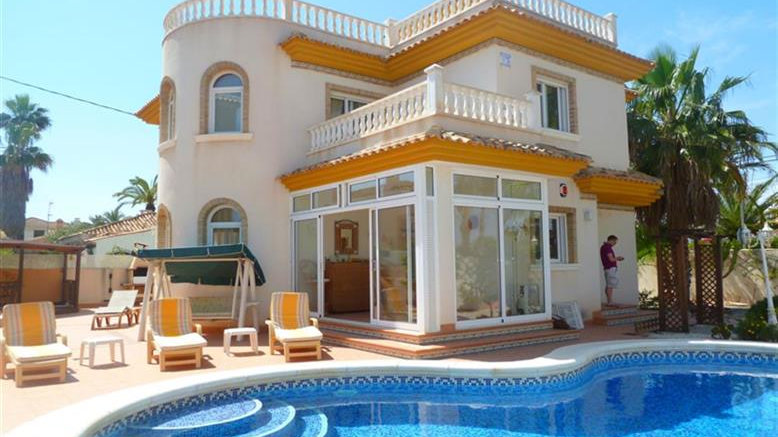 4 Bed Villa (8 Pers.) for Holiday Rental in Cabo Roig, Orihuela Costa - 210ST