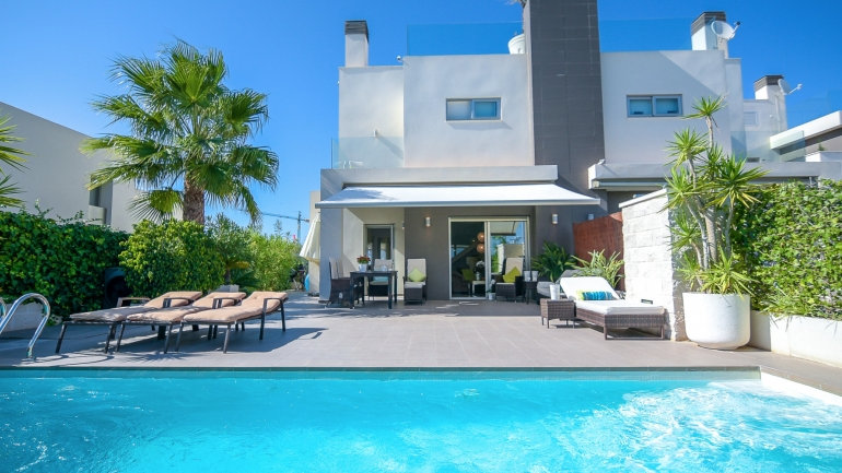 2 Bed Villa (4 Pers.) for Holiday Rental in Ciudad Quesada - 350ST