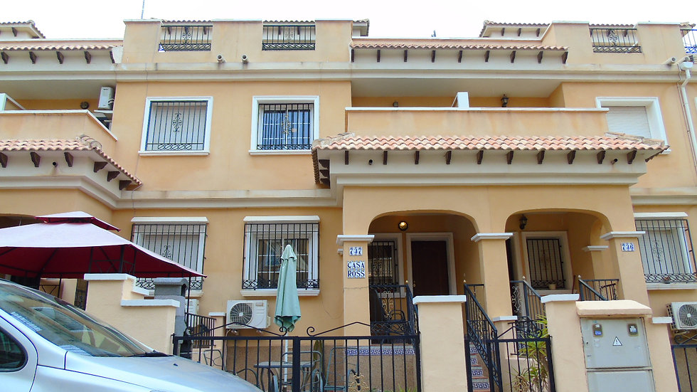 3 Bed Townhouse for Long Term Rental in Villamartin, Orihuela Costa - 925LT