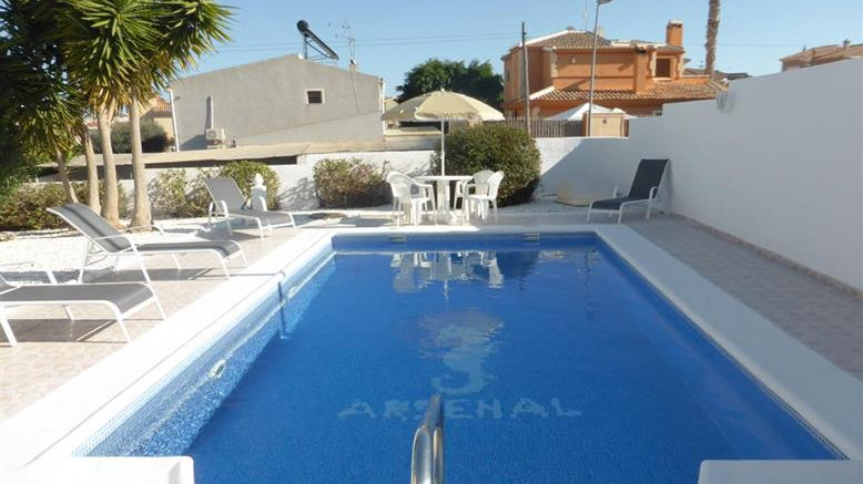 3 Bed Villa (6 Pers.) for Holiday Rental in Los Balcones, Torrevieja - 803ST
