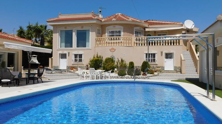 Holiday Rental in Ciudad Quesada - Villa with Private Pool - VILLA OLIVA