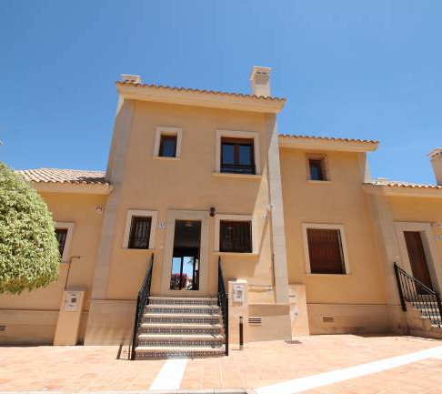 Long Term Rental in La Finca Golf, Algorfa / Townhouse / 211LT
