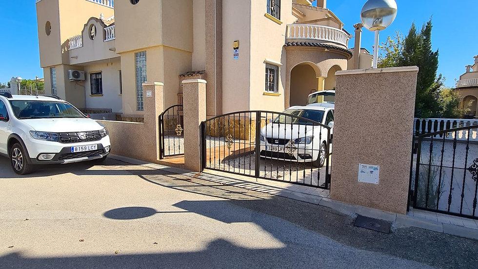 Long Term Rental in El Raso, Guardamar - 3 Bed Quad House - 066LT