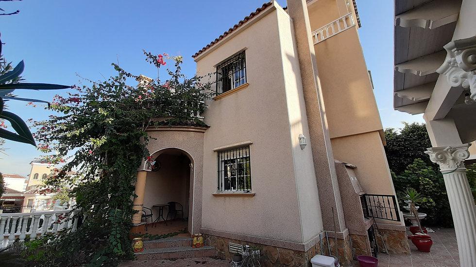 Long Term Rental in El Raso, Guardamar del Segura · Quad Villa · 671LT