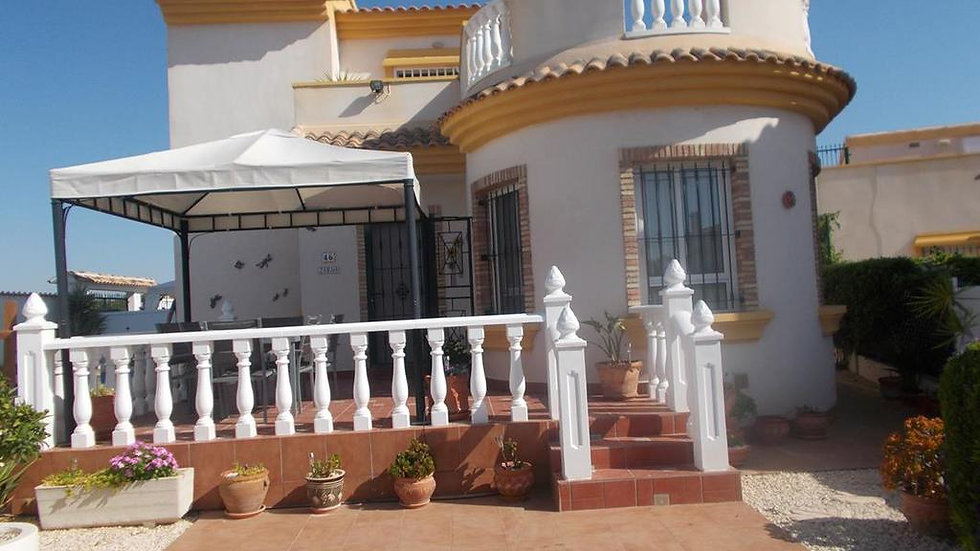 Long Term Rental in El Raso, Guardamar · Villa with Private Pool · 160LT