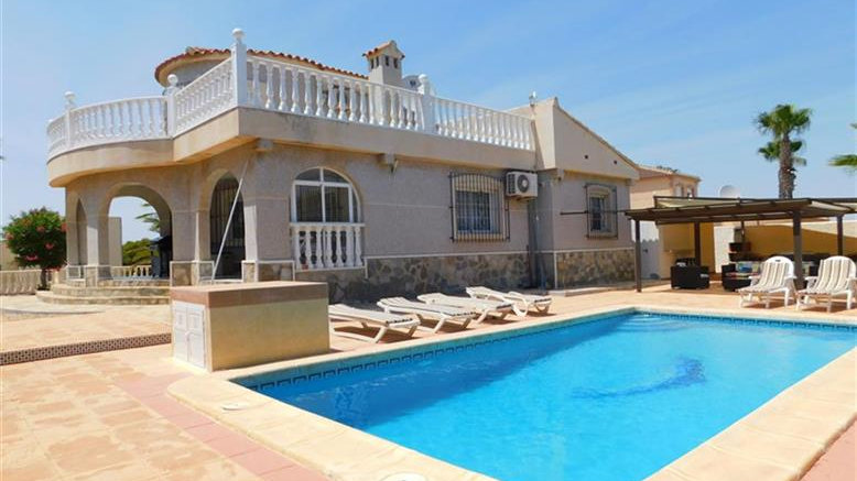 4 Bed Villa (10 Pers.) for Holiday Rental in Los Balcones, Torrevieja - 200ST