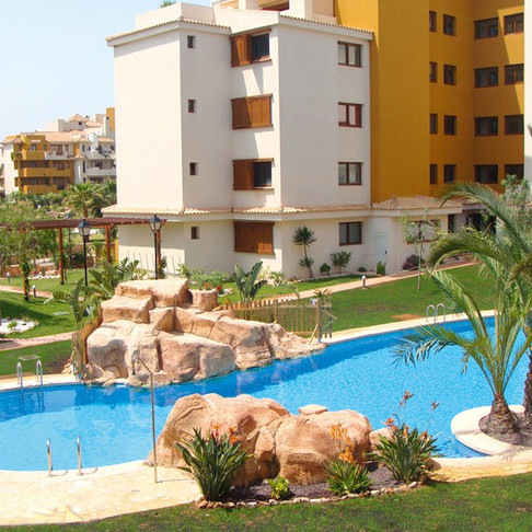 Long Term Rental in Punta Prima, Torrevieja / Apartment / 609LT