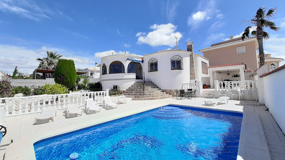Holiday Rental in Ciudad Quesada - Villa with Private Pool - VILLA BLANCA